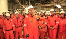 Oil Minister Tord Lien on Ekofisk platform