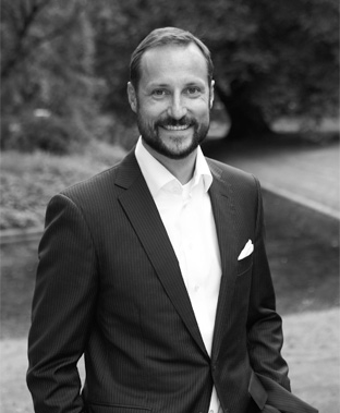 Crown Prince Haakon wants to do more than just clip ribbons at opening ceremonies, but his hosting of a conference on entrepreneurship has sparked criticism. PHOTO: Det kongelige hoff/Sølve Sundsbø
