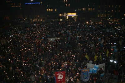 Around 40,000 people took part in torchlit demonstrations in Oslo alone after Benjamin Hermansen was killed, and gathered again in Oslo's central square Youngstorget on the 10th anniversary of the murder. PHOTO: Wikipedia