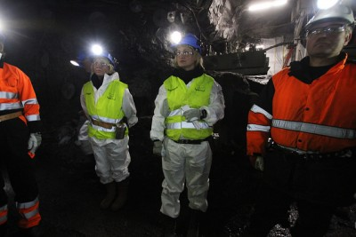 Politicians toured one of Store Norske's three mines on Svalbard, and can now expect heavy lobbying to keep them open despite the climate issues they raise.  PHOTO: Nærings- og fiskeridepartementet/Trond Viken