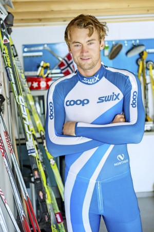 Skier Petter Northug won't be able to wear his blue racing suit emblazoned with his private sponsorships. From now on, he'll be back on the national team and promoting its sponsors. PHOTO: Coop