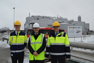 Officials at biochemical producer Borregaard have reason to smile, as the company profits on Norway's weaker krone. Here, they were celebrating the opening of a new addition to its biogas factory last week. PHOTO: Borregaard