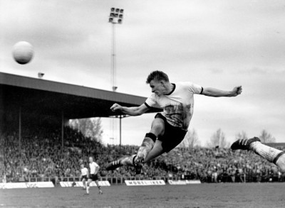 Football legend Odd Iversen in action for Rosenborg during the cup final against Lyn of Oslo in 1967. PHOTO: NTB Sanpix