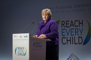Prime Minister Erna Solberg at the Gavi Pledging Conference in Berlin earlier this week, where she committed around USD 800 million to vaccination programs between 2016 and 2020. PHOTO: Guido Bergmann/BPA/Statsministerens kokntor