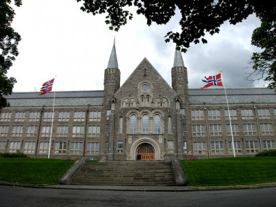 NTNU in Trondheim is among the Norwegian universities that lost Iranian doctoral candidates because of the controversy over Iran's atomic program. Now the controversy may no longer exist. PHOTO: Mentz Indergaard/NTNU Info