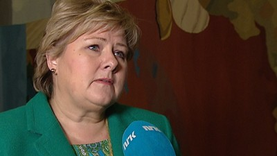 """Prime Minister Erna Solberg told Norwegian Broadcasting (NRK) that she was both saddened and shocked by the attack on journalists and artists at a satire magazine in Paris on Wednesday. """"We must all tolerate being teased now and then,"""" she told NRK. PHOTO: NRK screen grab"""