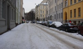 Oslo city streets, like here in the Vika district, have been covered with ice and snow, made dangerously slippery when rain freezes on top of it all. PHOTO: newsinenglish.no