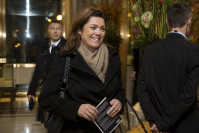 Kristin Skogen Lund, head of employers' organization NHO, has the highest income of all her business leader counterparts, and earns twice that of her labour counterpart, LO boss Gerd Kristiansen. Lund is shown here arriving at this year's annual banquet hosted by the central bank. PHOTO: Nils S Aasheim/Norges Bank