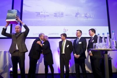 The oil field's partners still presented their development plans, and Oil Minister Tord Lien (left) remained triumphant over Johan Sverdrup's prospects. PHOTO: Ole Jørgen Bratland/Statoil