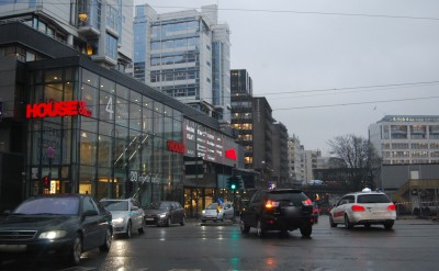 Gasoline- and diesel-fueled vehicles wil no longer be allowed in downtown Oslo, if the city's top politician in charge of climate-and environmental issues gets her way. Motorists in Bergen are also likely to face a ban on conventional vehicles. PHOTO: newsinenglish.no