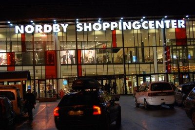 The shopping center at Nordby, just over the border in Sweden, has enjoyed another year of strong sales from its largely Norwegian clientele. It's also owned by Norwegian interests. PHOTO: newsinenglish.no