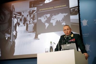 General Lt Kjell Grandhagen presented the military intelligence agency's annual evaluation of threats against Norway. PHOTO: Torbjørn Kjosvold/Forsvarets mediesenter