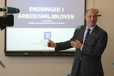 """Labour Minister Robert Eriksson of the Progress Party has been promoting the government's proposed changes in the country's """"arbeidsmiljølov"""" (the law governing working conditions) for months and won a breakthrough on Thursday. PHOTO: Arbeids- og Sosialdepartemetet/Øyvinn Myge"""