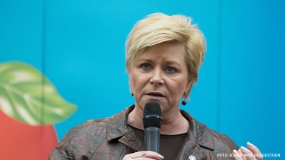 Finance Minister Siv Jensen is searching for ways for cut or at least trim Norway's high household debt levels. PHOTO: Fremskrittspartiet/Bjørn Bergestuen