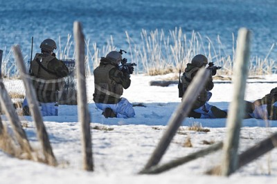 Home guard forces exercising at Kviby in Alta during the recent  Joint Viking military exercises in Northern Norway. The exercises seem to have set off sabre-rattling from the Russians. PHOTO: Forsvaret/Christina Gjertsen