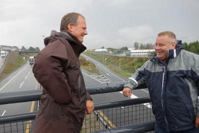 Transport Minister Ketil Solvik-Olsen (left) and State Secretary Bård Hoksrud, both from the Progress Party, are trying to make progress on Norway's need for better roads. PHOTO: Samferdselsdepartementet