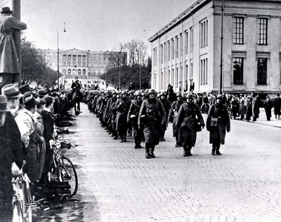 German soldiers marching up Karl Johans Gate in Oslo after the invasion on April 9, 1940. PHOTO: Wikipedia Commons