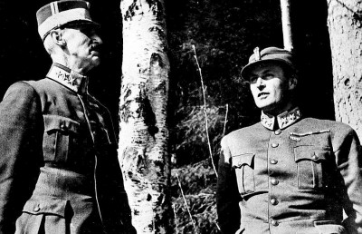 """This famous photo of King Haakon and Crown Prince Olav was part of a series taken during a pause in the bombing of Molde by journalist Per Bratland of """"Dagsavisen's"""" forerunner, """"Arbeiderbladet."""" The royals later had to flee Molde as well, in the company of British allies. PHOTO: Arbeiderbevegelsens Archive/Per Bratland"""