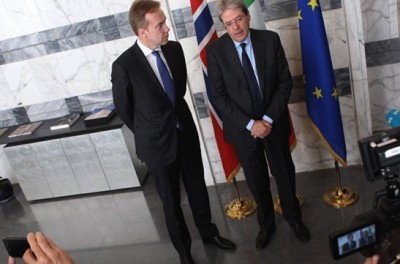 Foreign Minister Børge Brende (left) in Rome on Tuesday with Italy's foreign minister, Paolo Gentiloni. PHOTO: Utenriksdepartementet/Mathias Rongved
