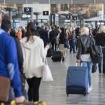 Long delays at passport control