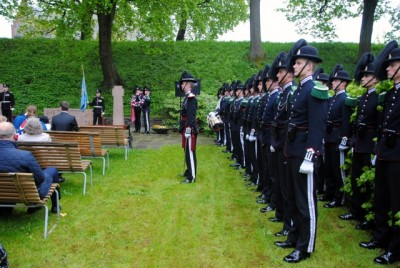 Norway's royal guards stood at attention during the memorial to fallen heroes at the Akershus Fortress. PHOTO: newsinenglish.no