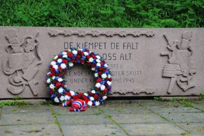 The wreath placed at the site where Norwegian patriots were executed during the occupation of Norway from 1940 to 1945. PHOTO: newsinenglish.no