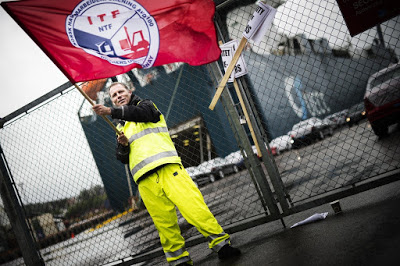 Norwegian dockworkers are likely to continue their battle to save their monopoly at Norwegian harbours, no matter how the Supreme Court rules later this spring. PHOTO: NTF/Norwegian Transport Workers' Union