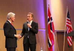 Foreign Minister Børge Brende (right) with former US President Bill Clinton in Oslo on Wednesday, PHOTO: Utenriksdepartementet/MB Haga