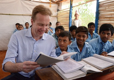 Norwegian Foreign Minister Børge Brende was back in Nepal last month and visited a school as part of efforts to get aid to victims of the recent earthquake, and ease disruption beause of damaged schools. PHOTO: Utenriksdepartementet/Astrid Sehl