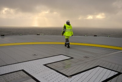 Some oil industry workers are feeling alone these days after losing their jobs, but their numbers are rising. PHOTO: Statoil/Harald Pettersen