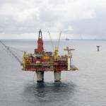Strike spread to more oil platforms