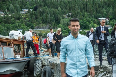 New AUF leader Mani Hussaini was also back on Utøya on July 22, the fourth anniversary of the attacks on the Labour Party youth organization's summer camp. In the background at right, former Labour Prime Minister Jens Stoltenberg, now the secretary general of NATO. PHOTO: Arbeiderpartiet