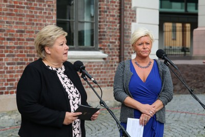 Prime Minister Erna Solberg (left) and Finance Minister Siv Jensen launched their state budget conference in Oslo Wednesday morning, in the midst of great economic uncertainty. PHOTO: Statsministerens kontor