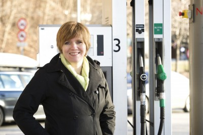 Competition director Christine Meyer and her colleagues are questioning how the prices of fuel are set in Norway. PHOTO: Konkurransetilsynet