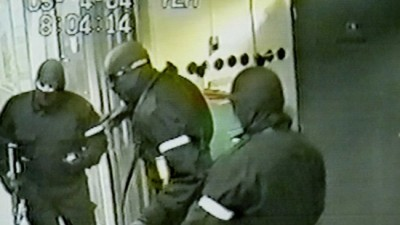 The commando-style robbery of a NOKAS currency depot in Stavanger 11 years ago still ranks as the biggest heist in Norwegian history. Now one of the men convicted in that case is back under arrest, less than a year after he was released from prison. PHOTO: POLITI/NOKAS surveillance camera