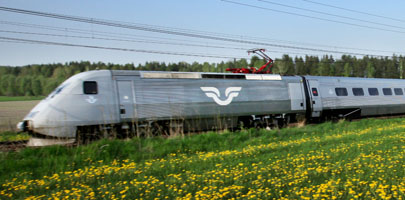 """SJ's X--2000 """"snabbtåg"""" (express trains) are billed as their fastest and most comfortable, and will serve the new line between Stockholm and Oslo. PHOTO: SJ"""