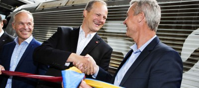 Norwegian Transport Minister Ketil Solvik-Olsen (center) praised the efforts made by Sweden's SJ to get the new express train line between Oslo and Stockholm rolling. At right, SJ's chief executive Christer Fritzson and at left, Norwegian government minister Jan Tore Sanner, in charge of municipal governments. PHOTO: Statens Järnvägar (SJ)