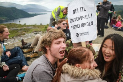 Young environmental activists made their opposition to fjord dumping clear this week. PHOTO: Natur og Ungdom/Amanda Iversen Orlich