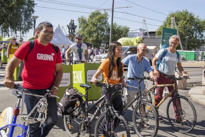 """Greens party members have been dismissed as a bunch of """"blockheads"""" by indignant businessmen who scoff at their promotion of cycling as opposed to driving. The Greens have called for a ban on cars from downtown areas, for example, and far more measures to promote cycling. PHOTO: Miljøpartiet De Grønne"""