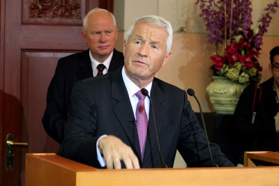 Geir Lundestad was always right behind Thorbjørn Jagland during Nobel Peace Prize announcements, and often shared the spotlight. Lundestad's new book about the people behind the Peace Prize, though, has infuriated Jagland and many others. PHOTO: Erik F Brandsbord/Aktiv i Oslo.no