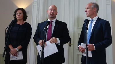 Government ministers Solveig Horne (left), Anders Anundsen and Jan Tore Sanner intend to increase the state budget by more than NOK 200 million, to fund the influx of refugee arrivals in Norway. PHOTO: Justisdepartementet