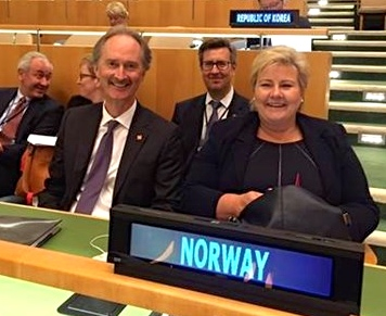 Norway's ambassador to the UN, Geir O Pedersen (left) is a busy man this week, and every week. Here with Prime Minister Erna O: Utenriksdepartementet