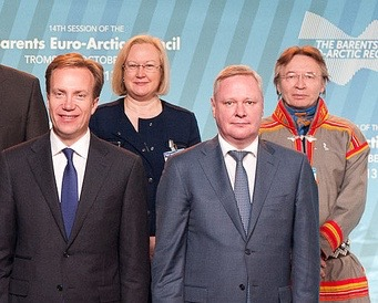 Russia's deputy foreign minister Vladimir Titov (front right) was in Oslo on Monday for talks with his Norwegian counterpart. This photo was taken two years ago, at a meeting of the Barents Euro-Arctic Council in Tromsø. In the background, the EU's envoy in Norway Helen Clark, and Lars-Anders Bær, the indigenous people's representative to the council. (PHOTO: Utenriksdepartementet