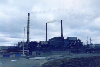 Environmentalists have claimed that Russia's Norilsk Nickel smelter in Nikel, just over the border from Norway, has been an eyesore and a polluter for years. PHOTO: Wikipedia