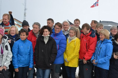 Christiana Figueres (front row, second from left) was on Svalbard last year and called on the Norwegian government to shut down its coal mining there. Now she's made it clear she also opposes oil and gas operations in the Arctic. In the center, in blue jacket, Norway's minister for the environment, Tine Sundtoft. PHOTO: Klima- og miljøverndepartementet