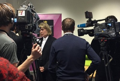 PST's terror threat evaluation, now announced by PST chief Benedicte Bjørnland (center), always attract a lot of media interest. PHOTO: PST