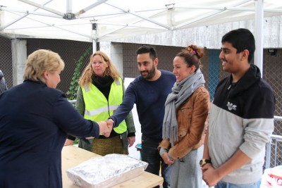 Solberg also personally thanked the volunteers who have helped provide food and clothing to the newly arrived refugees at Tøyen in Oslo. A recent study estimated teh value of the volunteer efforts over the last three weeks at more than NOK 10 million. On Tuesday, Solberg was due to unveil her government's longer-term proposals to handle the refugee crisis. PHOTO: Statsministerens kontor