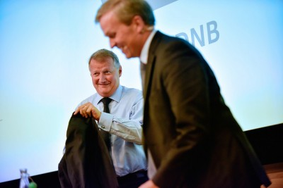 DNB's chief executive (left) and finance director Bjørn Erik Næss could smile after reporting more strong profits on Thursday, but they're both bracing for tougher times ahead. PHOTO: DNB