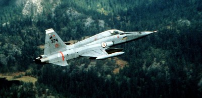 Norway's F5 fighter jets like this one were mostly phased out 25 years ago, but the fate of some of them is part of a growing scandal of questionable defense sales. PHOTO: Wikipedia Commons