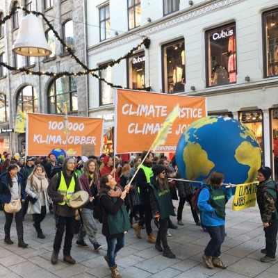 Thousands of Norwegians marched here in Oslo and in 17 other towns and cities around the country on Saturday, to demand results from the UN climate summit in Paris that starts on Monday. PHOTO: Greenpeace Norway
